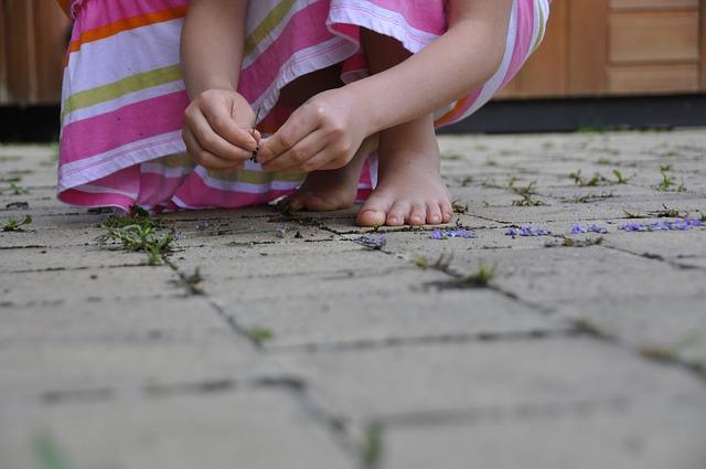 Obuwie ortopedyczne dla dzieci – kapcie ortopedyczne dla dzieci. Buty typu Walker, orteza stopowo-goleniowa