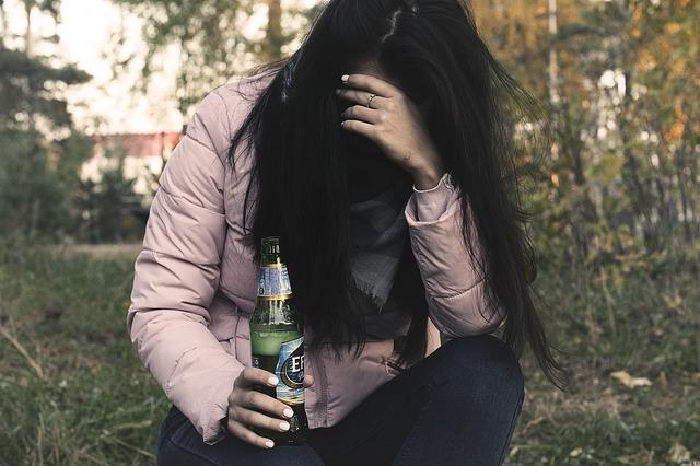Ośrodek leczenia uzależnień alkoholików. Alkoholizm – jak leczyć? Odtrucie alkoholowe w domu Warszawa